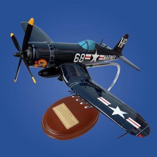 Vought F4U-4 Corsair 1/41 Desktop Model Aircraft
