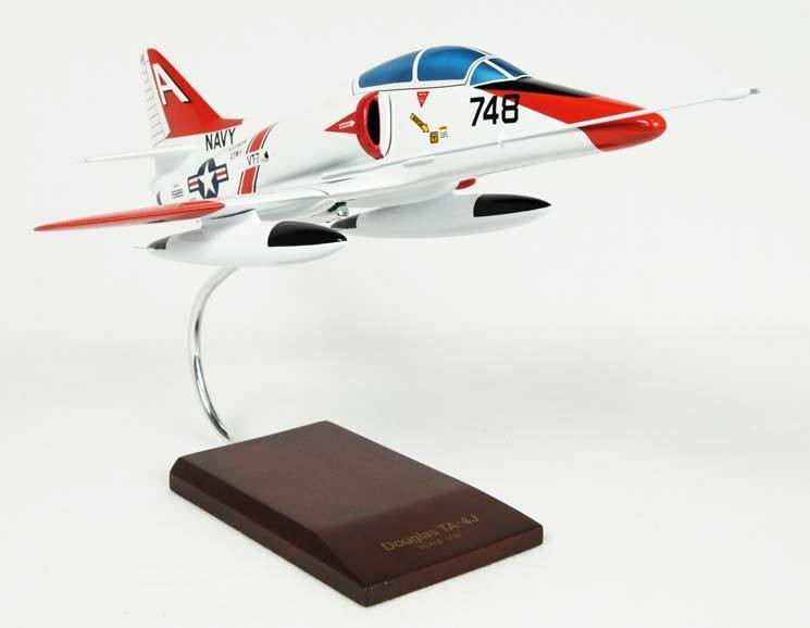 TA-4J Skyhawk 1/32 Model Airplane