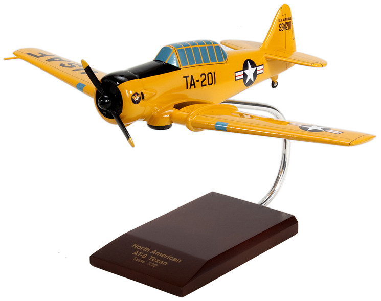 AT-6A Texan I USAF 1/32 Model Airplane