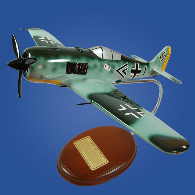 Focke Wulf FW-190 Luftwaffe III (JG26) 1/34 Wood Model Airplane