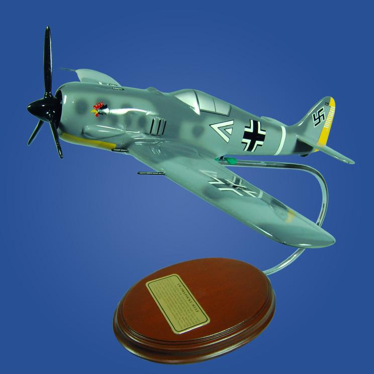 FW-190 Focke Wulf  Luftwaffe II (JG2) 1/37 Wood Model Airplane