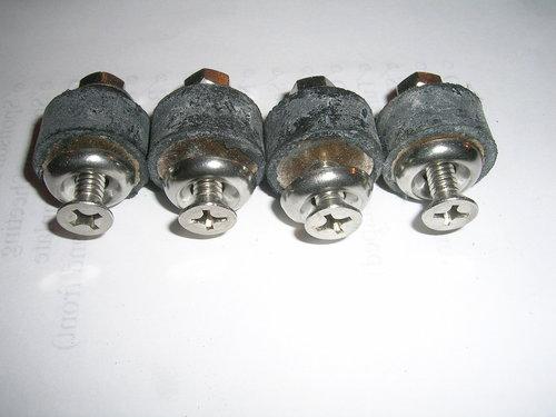 "1/2"" Rubber Isolators"