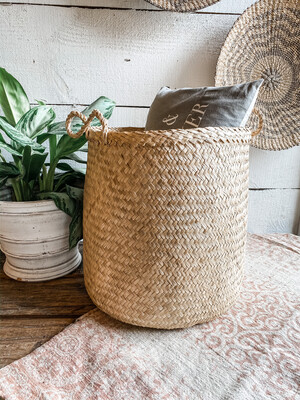 NATURAL WOVEN SEAGRASS BASKET W/ HANDLES- 14