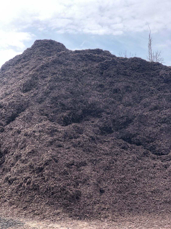 Brown Walnut Mulch (per yard)