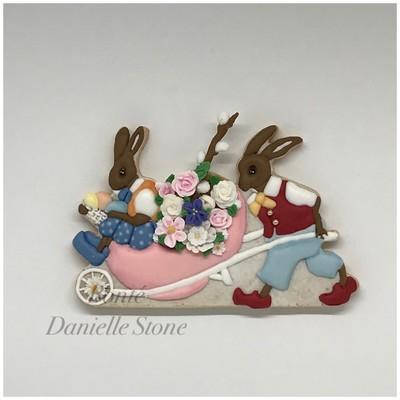 Easter Parade Bunny Wheelbarrow 01