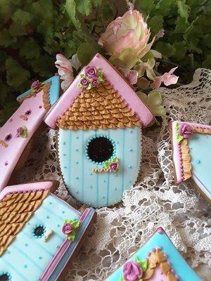 Teri Birdhouse 06