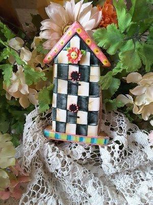 Teri Birdhouse 01