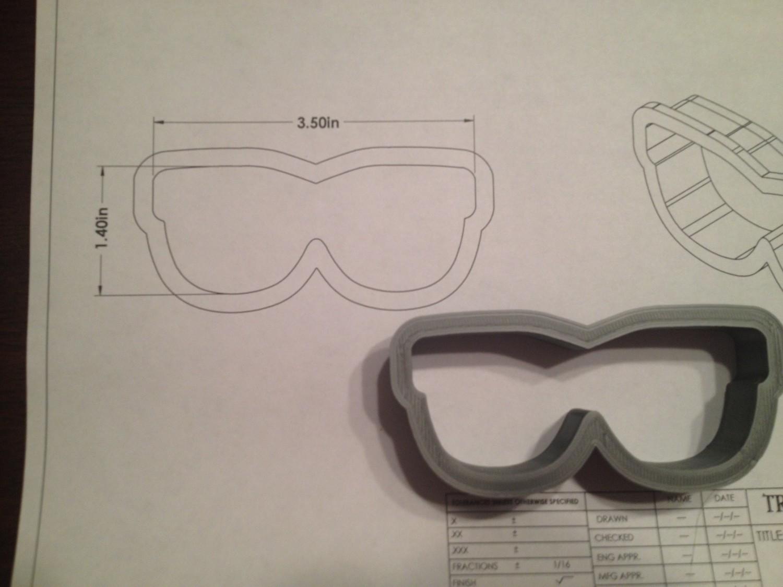 "Sunglasses 01 3.5"""