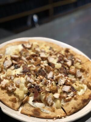 Flugger's Loaded Mac'N'Cheese Pizza