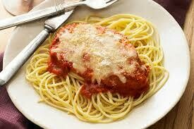 Chicken Parmesan on bed of spaghetti noodles single serve
