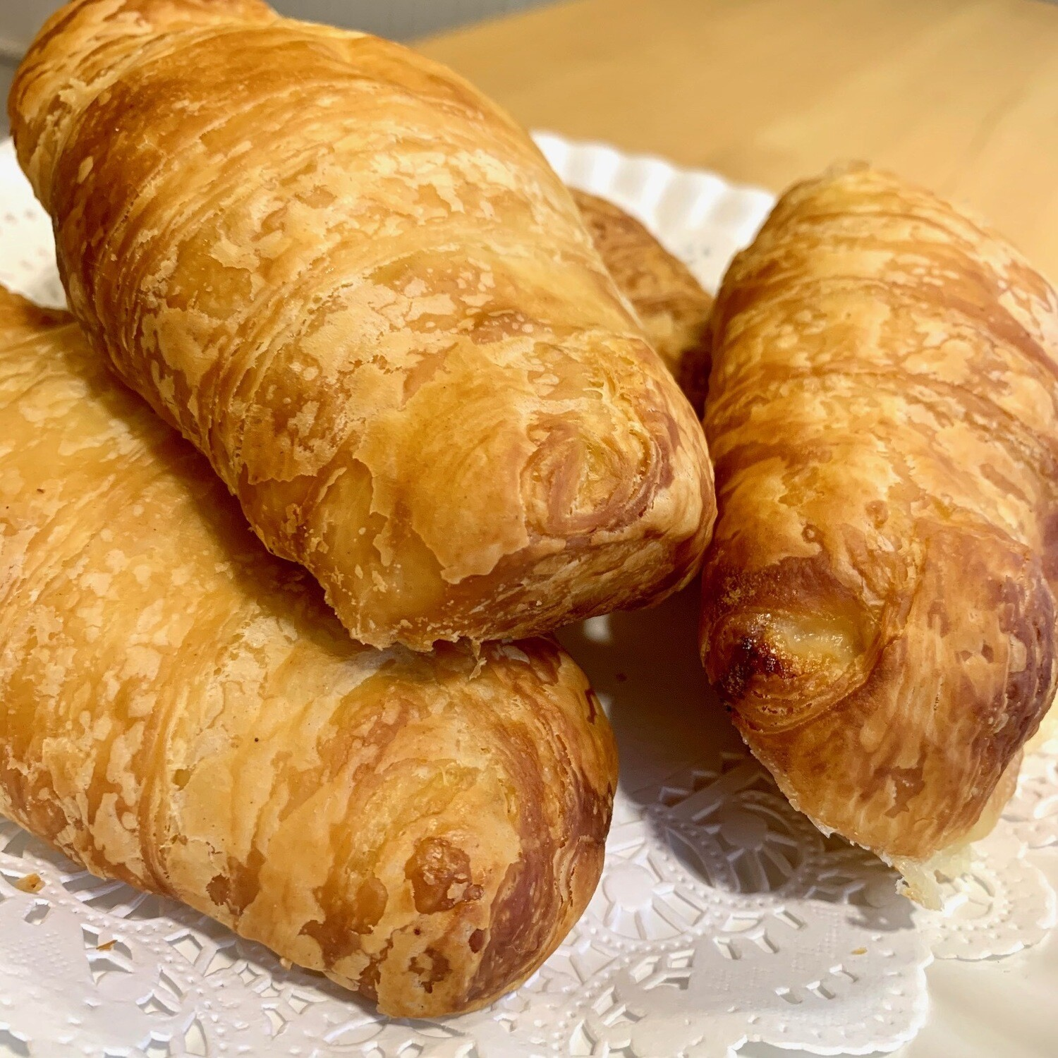 Croissants / 4 ham and cheese