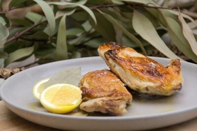Chicken breast, lemon, bayleaf | serves 2