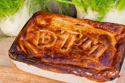 Sirloin, mushroom, whole eschallot pie | serves 4