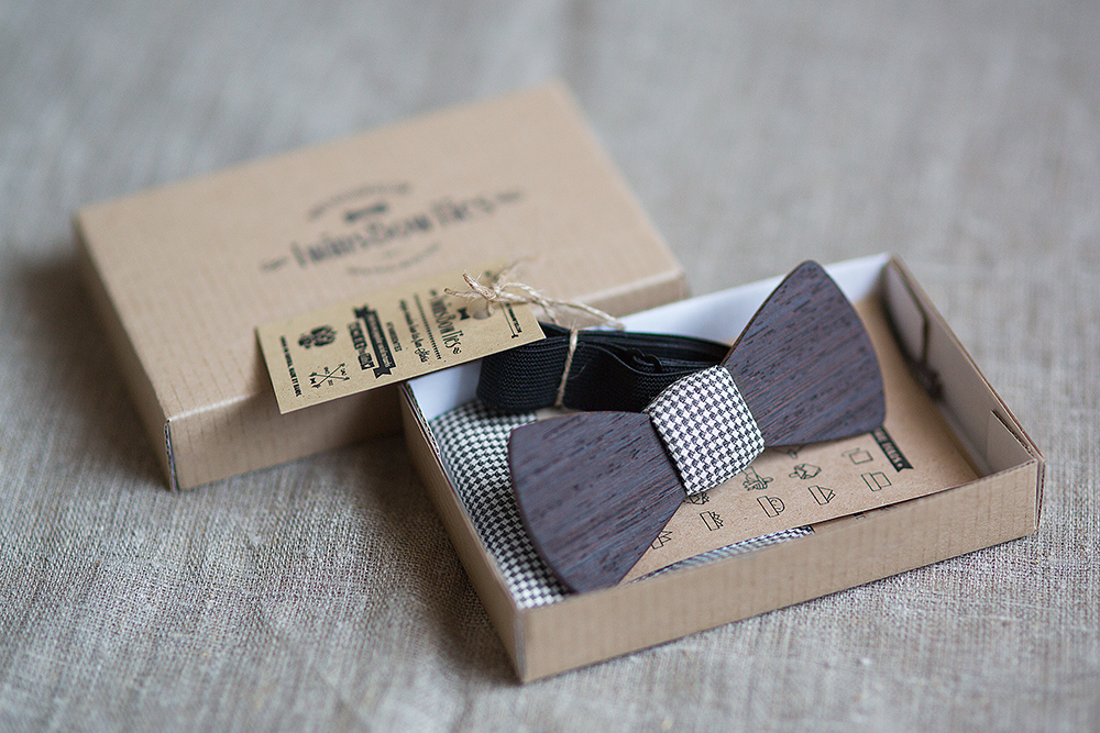 Деревянные галстук бабочки в подарок