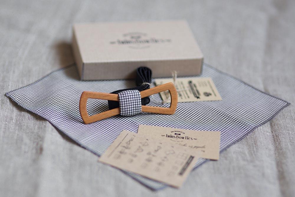 Деревянная галстук бабочка