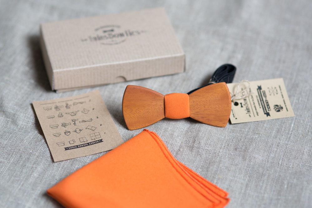 Оранжевый галстук для ведущего