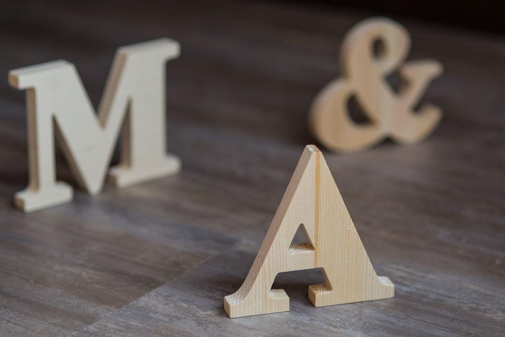 Английский алфавит. Буквы из дерева A-Z. Деревянные цифры. Массив сосны толщина 18 мм. Высота символов от 15 до 35 см