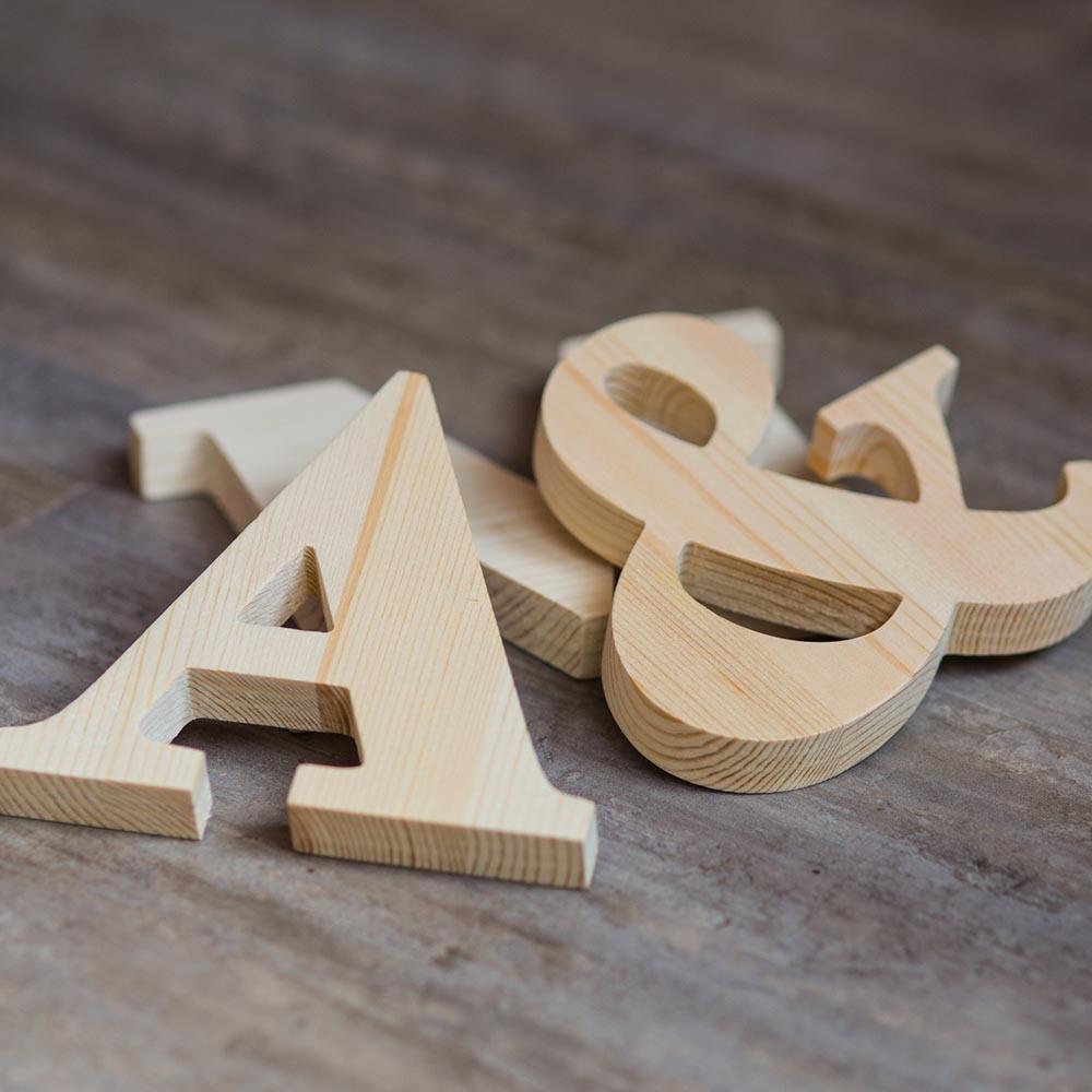 Английский алфавит. Буквы из дерева A-Z. Деревянные цифры. Массив сосны толщина 18 мм. Высота символов от 15 до 35 см TW-ABCENG-Clear