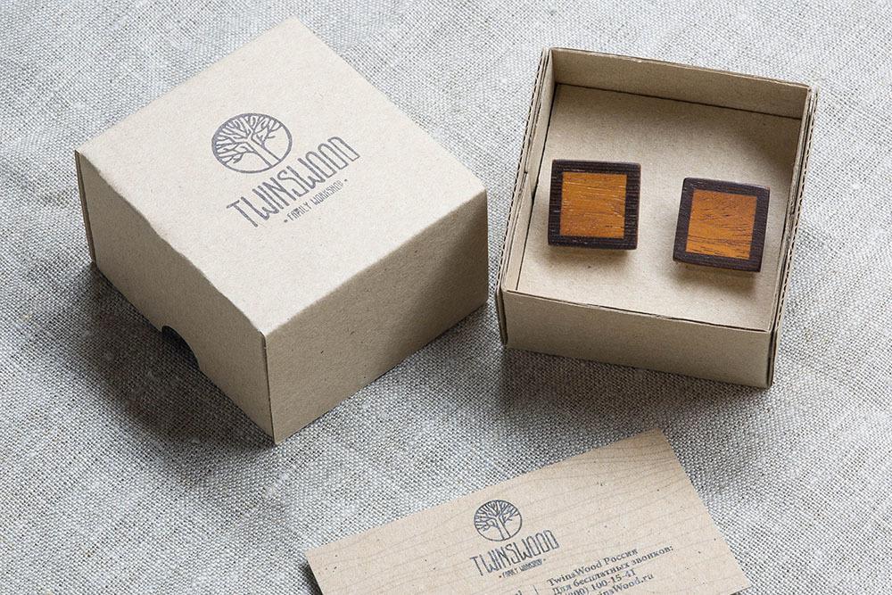 Квадратные запонки из двух сортов настоящего дерева Венге + Кусия. Лазерная гравировка инициалов или логотипа