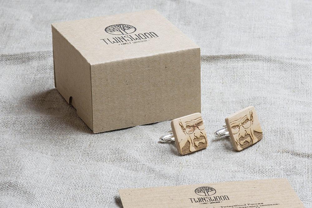 Квадратные деревянные запонки с гравировкой Во все тяжкие. Массив бука