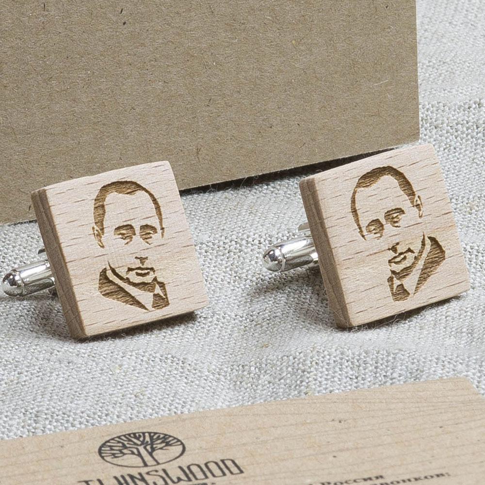Квадратные деревянные запонки с гравировкой силуэта ПУТИНА. Массив бука WC-MrPutin1