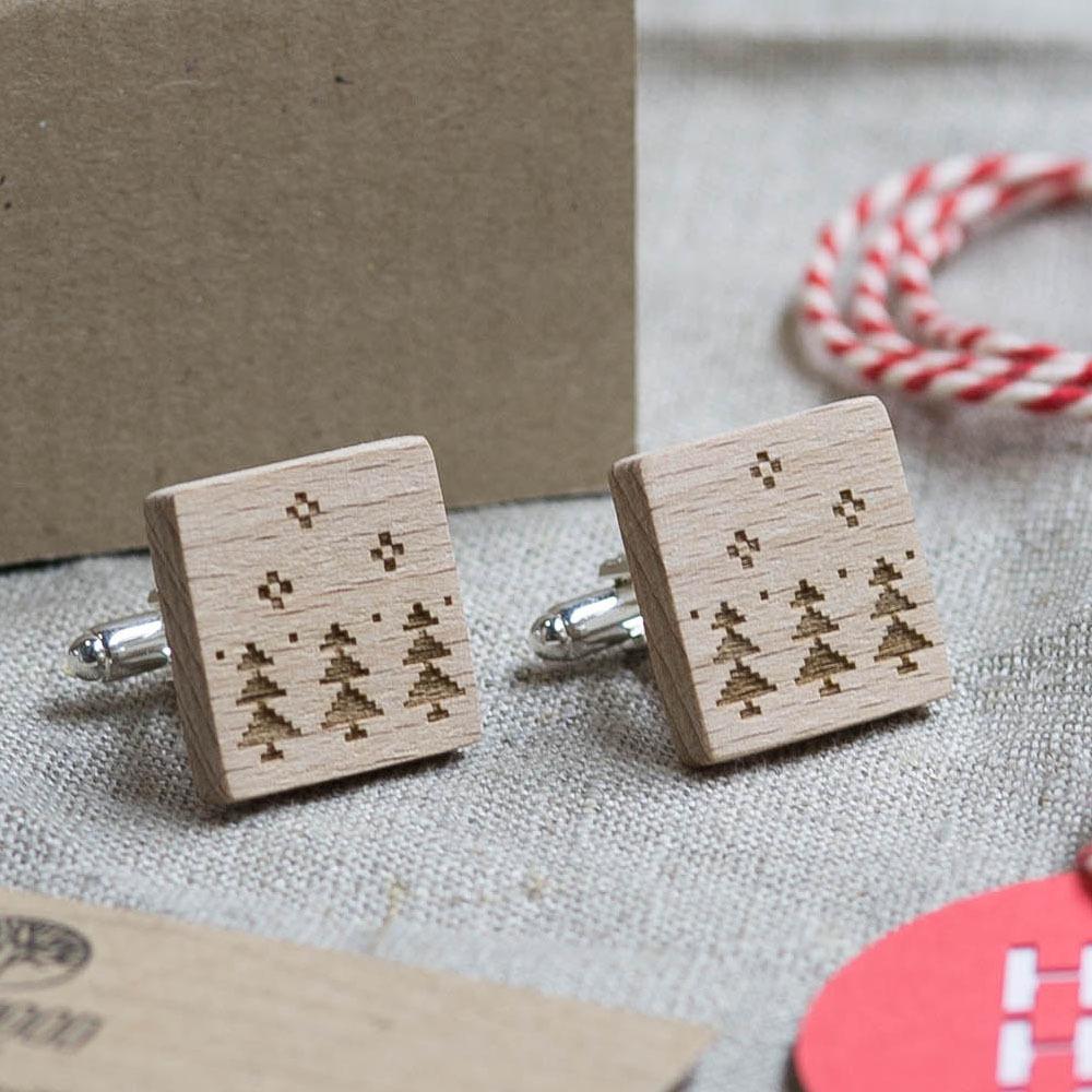 Новогодние запонки из дерева с изображением ёлок. Подарок на рождество. Массив бука с гравировкой WC-Christmas2