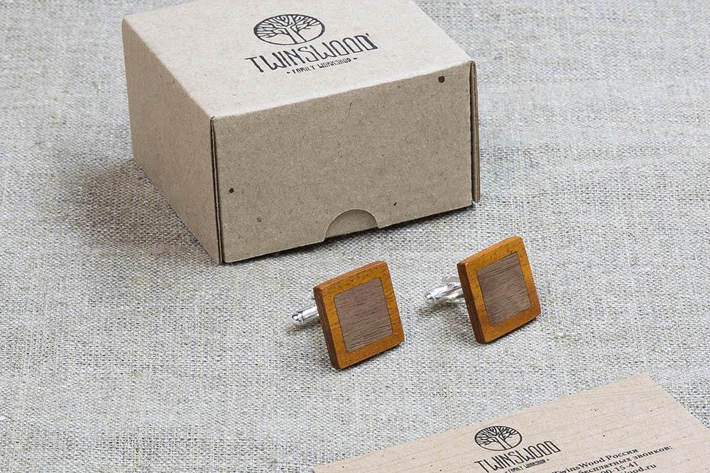 Квадратные  запонки из двух сортов настоящего дерева Кусия + Орех. Лазерная гравировка инициалов или логотипа
