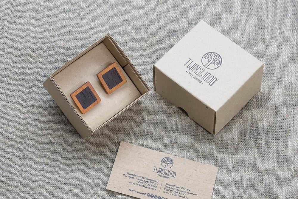 Квадратные запонки из двух сортов настоящего дерева Кусия + Венге