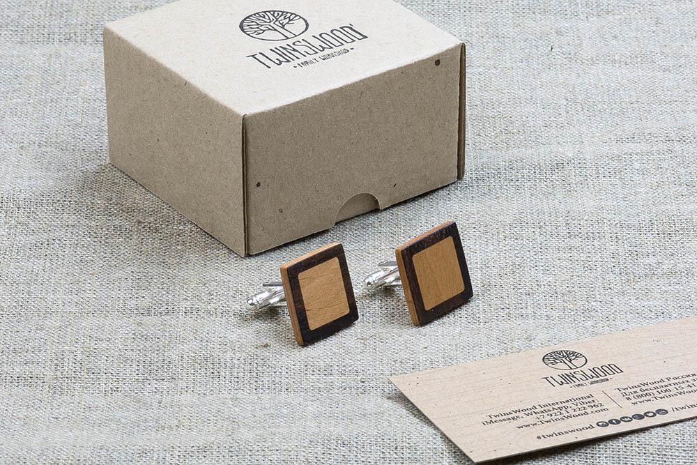 Квадратные запонки из двух сортов настоящего дерева Зирикот + Ольха. Лазерная гравировка инициалов или логотипа
