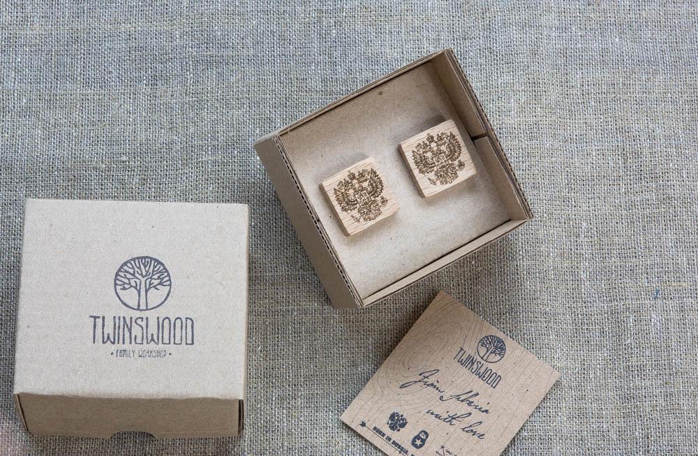 Квадратные деревянные запонки из бука с гравировкой - Герб России