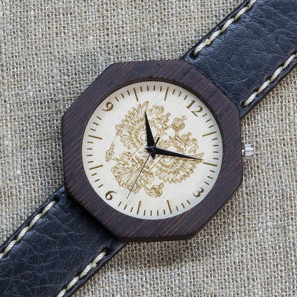 Деревянные часы из венге Россия Black Edition 2. Циферблат - клен. Черный с белой строчкой премиум ремешок ручной работы из кожи теленка. Персональная гравировка TW-BlackRussia2