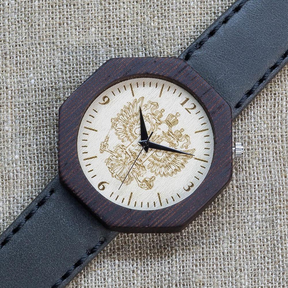 Деревянные часы из венге Россия Black Edition 4. Циферблат - клен. Серый премиум ремешок ручной работы из кожи теленка. Персональная гравировка TW-BlackRussia4