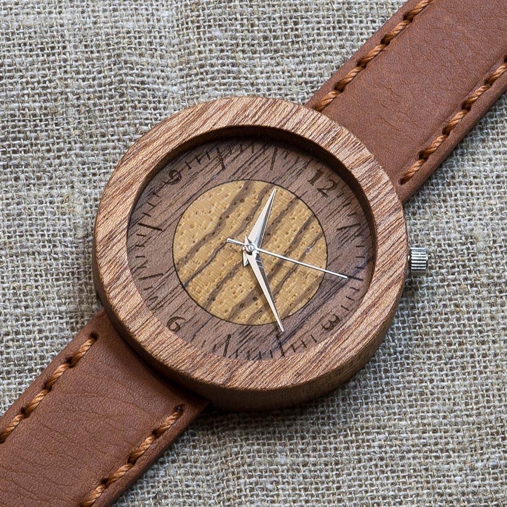 Деревянные часы из сапеле Даллас 7. Циферблат - зебрано и орех. Терракотовый премиум ремешок ручной работы из кожи теленка. Персональная гравировка TW-Dallas-7