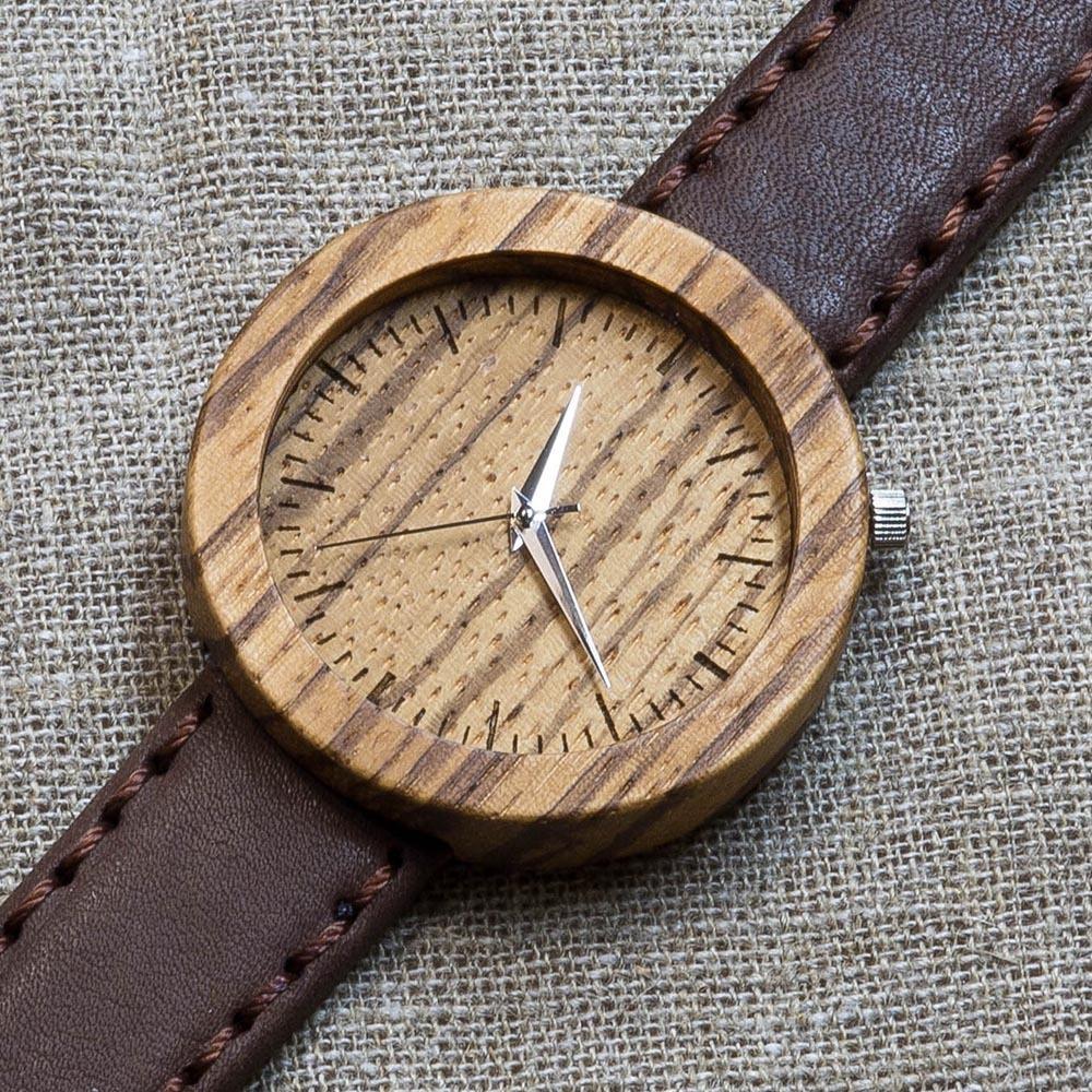 Деревянные часы Каир 5. Корпус - зебрано. Циферблат - зебрано. Коричневый матовый премиум ремешок ручной работы из настоящей кожи. Персональная гравировка TW-Cairo5