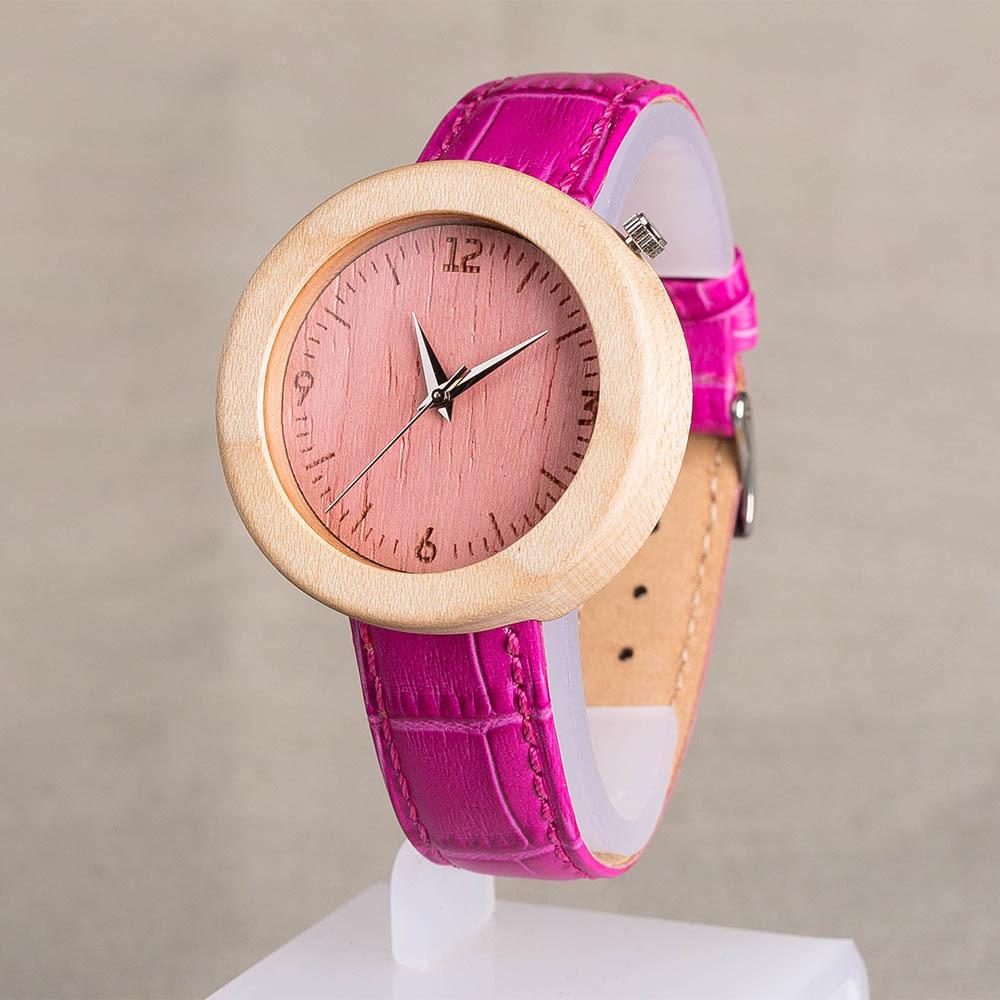 Женские часы из дерева. Корпус - клен. Розовый циферблат. Ярко розовый ремешок из настоящей кожи. Персональная гравировка. Подарочная упаковка TWW-MapleRose2