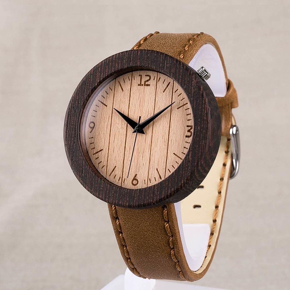 Наручные часы из дерева венге. Размер 45 мм. Циферблат - бук. Горчичный ремешок из настоящей кожи. Персональная гравировка TW-WengeBeech1
