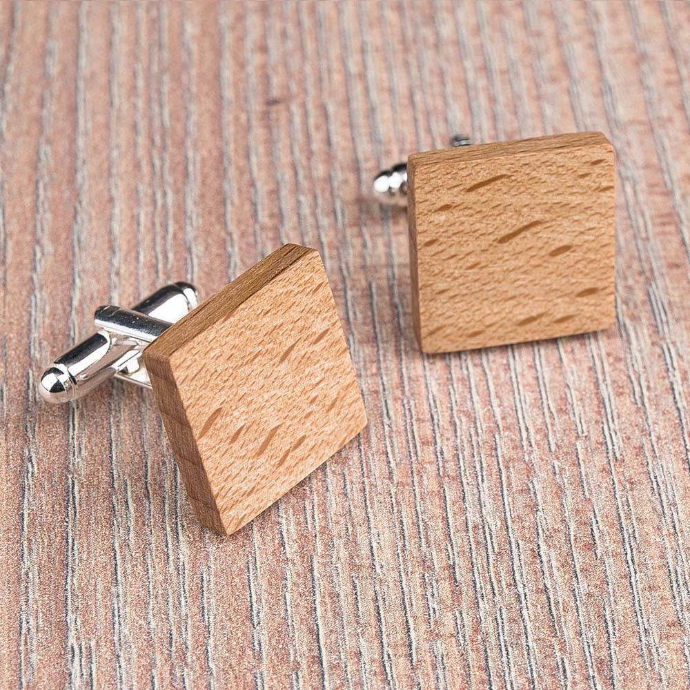 Квадратные деревянные запонки из массива бука. Три цвета фурнитуры на выбор. Гравировка инициалов или логотипа. Упаковка в комплекте TwinsCufflinks-BeechSquare