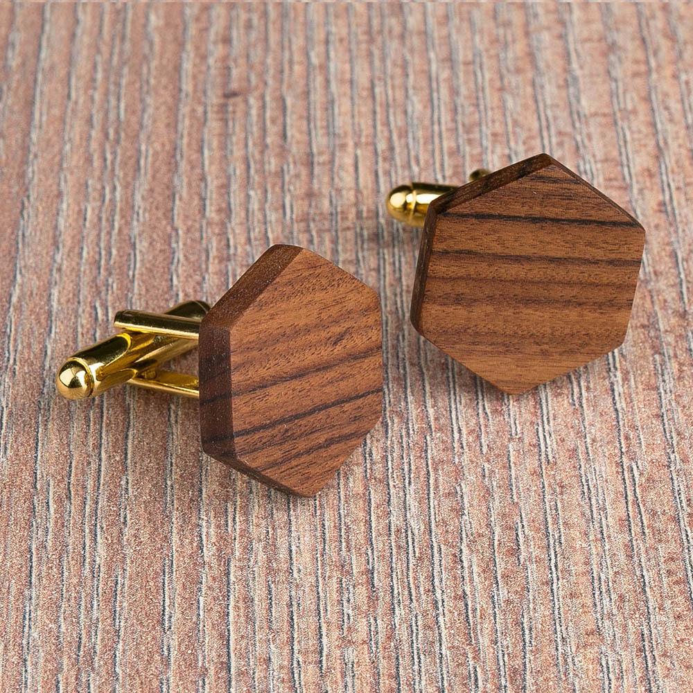 Шестиугольные деревянные запонки из палисандра. Три цвета фурнитуры на выбор. Гравировка инициалов или логотипа. Упаковка в комплекте TwinsCufflinks-RosewoodHexagon