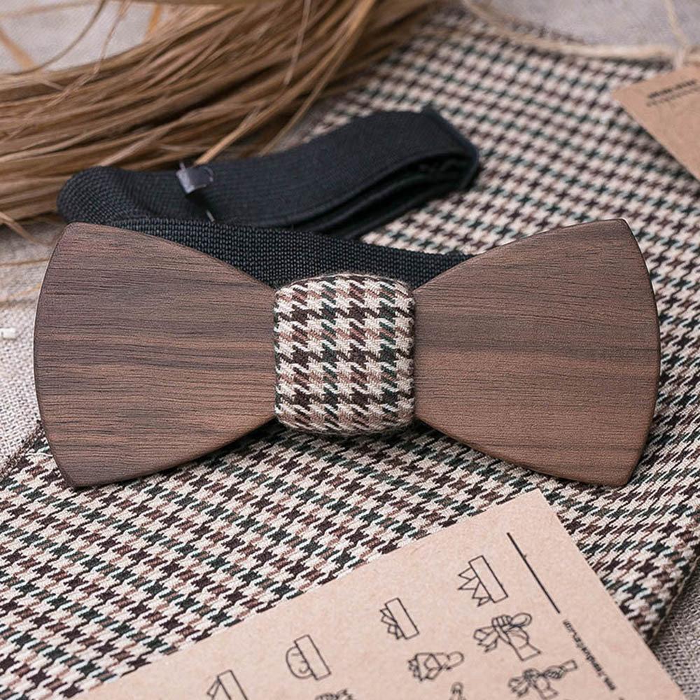 Галстук-бабочка из древесины ореха. Форма - классика. Платок для кармана пиджака в комплекте. Любая гравировка TBT-WalnutClassic2