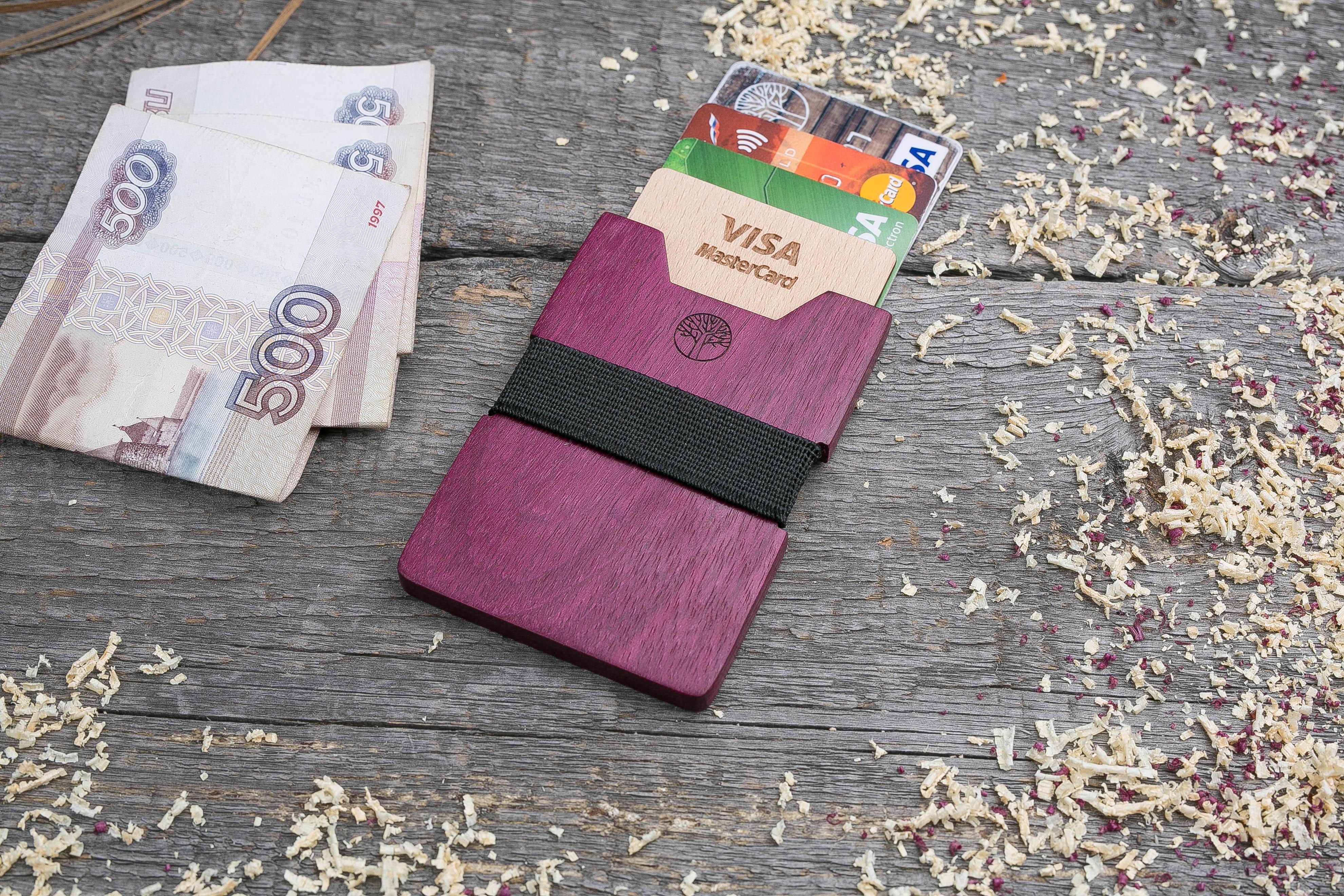 Деревянный кошелек из амаранта. Вертикальная загрузка. Для 1-6 пластиковых карт и купюр. Поддержка Apple Pay. Гравировка имени или логотипа. Бизнес сувенир. Подарок другу. Именной кошелек