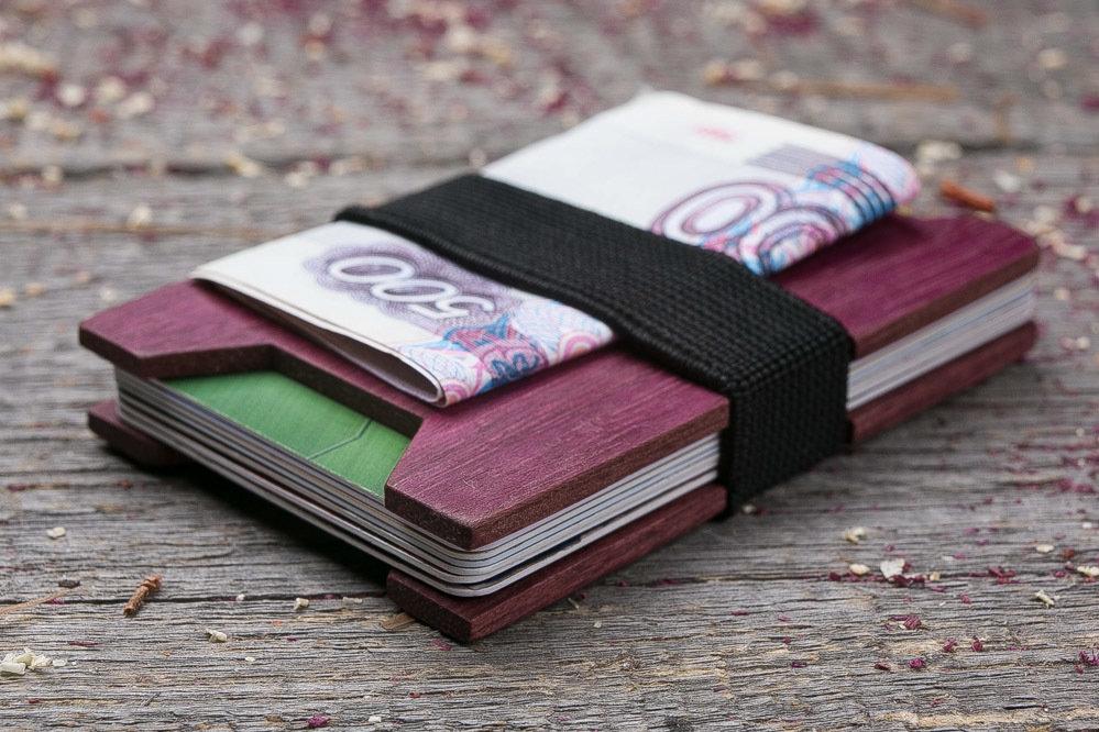 Мини кошелек-кардхолдер из дерева. Массив амаранта. Для 1-15 пластиковых карт и купюр. Подарок другу или бизнес партнеру, именной кошелек. Гравировка имени или логотипа + открытка из дерева