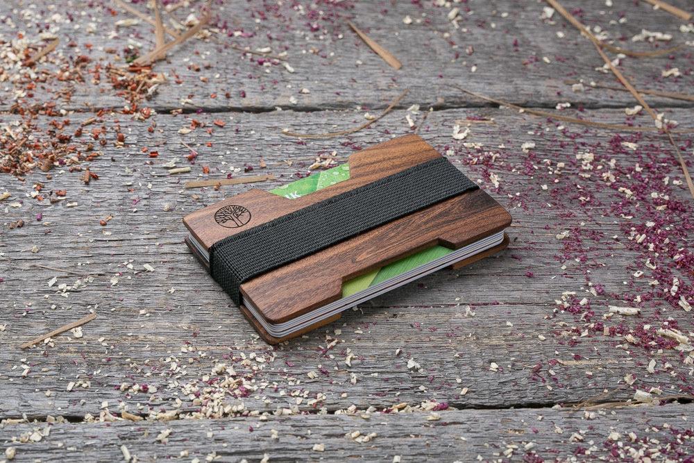 Мини кошелек-кардхолдер из дерева. Массив палисандра. Для 1-15 пластиковых карт и купюр. Подарок другу или бизнес партнеру, именной кошелек. Гравировка имени или логотипа + открытка из дерева