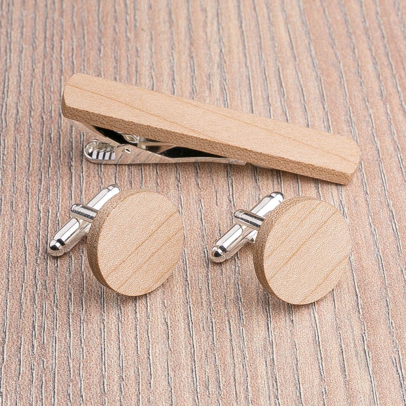 Комплект: Круглые запонки из дерева и Деревянный зажим для галстука. Массив клена. Гравировка инициалов. Упаковка в комплекте CufflinksSet-RoundMaple