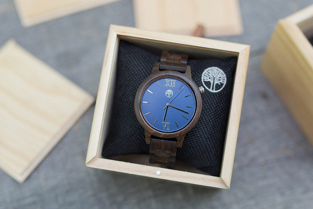 Часы из дерева TwinsWood