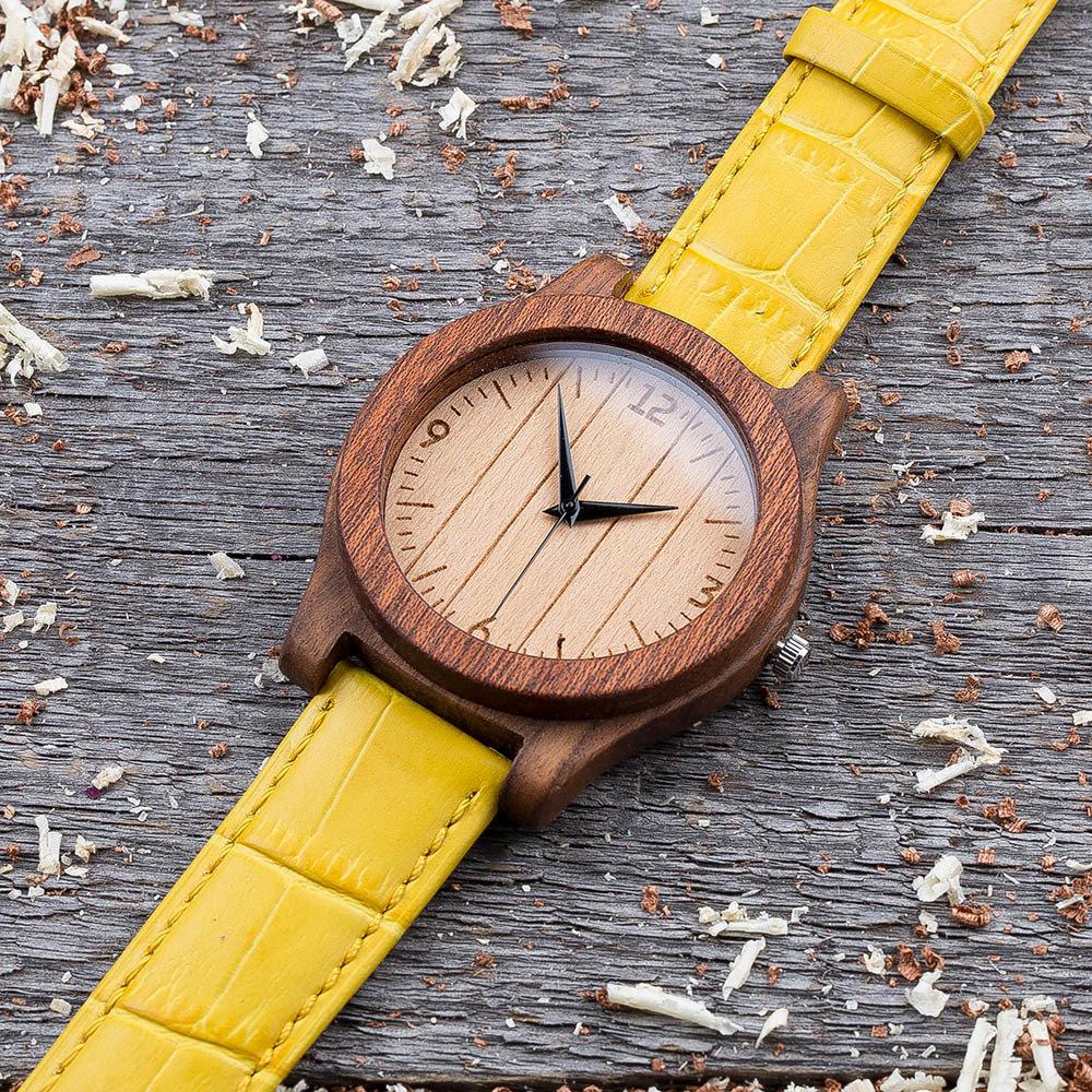 Деревянные часы  45 мм. Массив палисандра и сапеле. Желтый ремешок из кожи. Любая гравировка на циферблате и задней крышке + открытка из дерева TwinsWatch-RosewoodSapeleYellow