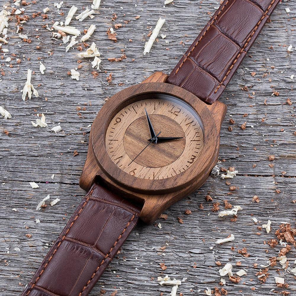 Деревянные часы  45 мм. Массив палисандра и ореха. Коричневый текстурный ремешок из кожи. Любая гравировка на циферблате и задней крышке + открытка из дерева TwinsWatch-RosewoodWalnutBrownTex