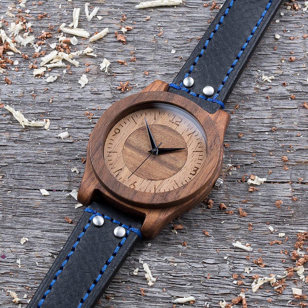 Деревянные часы  45 мм. Массив палисандра и ореха. Черный с синей строчкой ремешок из кожи. Любая гравировка на циферблате и задней крышке + открытка из дерева TwinsWatch-RosewoodWalnutBlackBlue