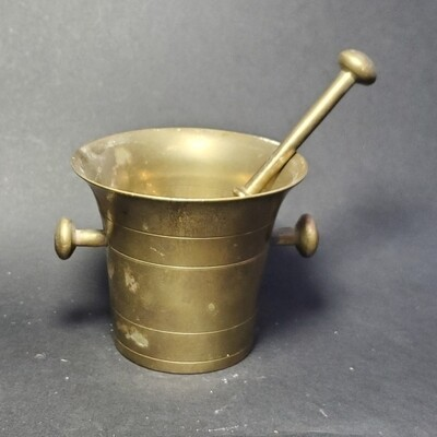 Collectable Apothecary Style Brass Mortar & Pestle