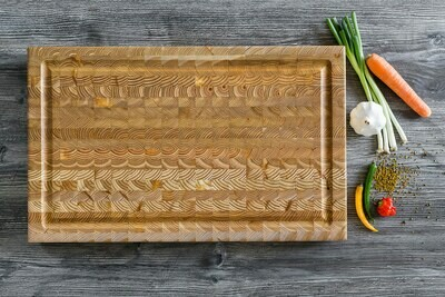 Larch Wood Canada Carver Large Board