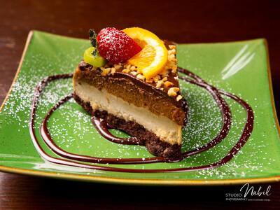 Raw Vegan Snickers Cake (V, GF, Paleo, Keto)